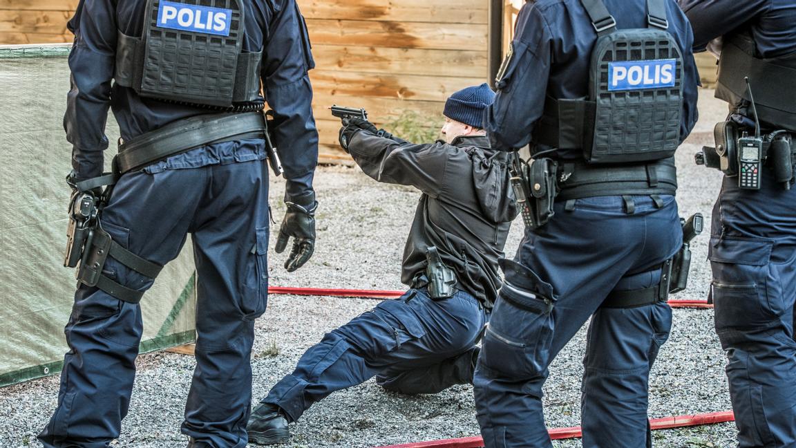 """""""Största sveket är politikerna som säger att de ska krossa gängen – men lämnar oss poliser isticket"""""""
